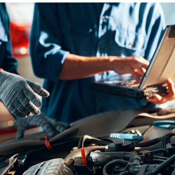 automekaniker. Reparationer af biler
